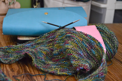 Just knit it - a simple shawl or scarf to knit in garter stitch