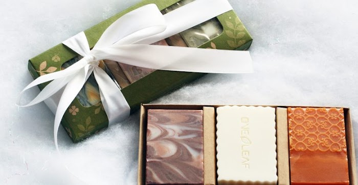Persuasive Custom Soap Box Packaging for Featuring Oatmeal Bar