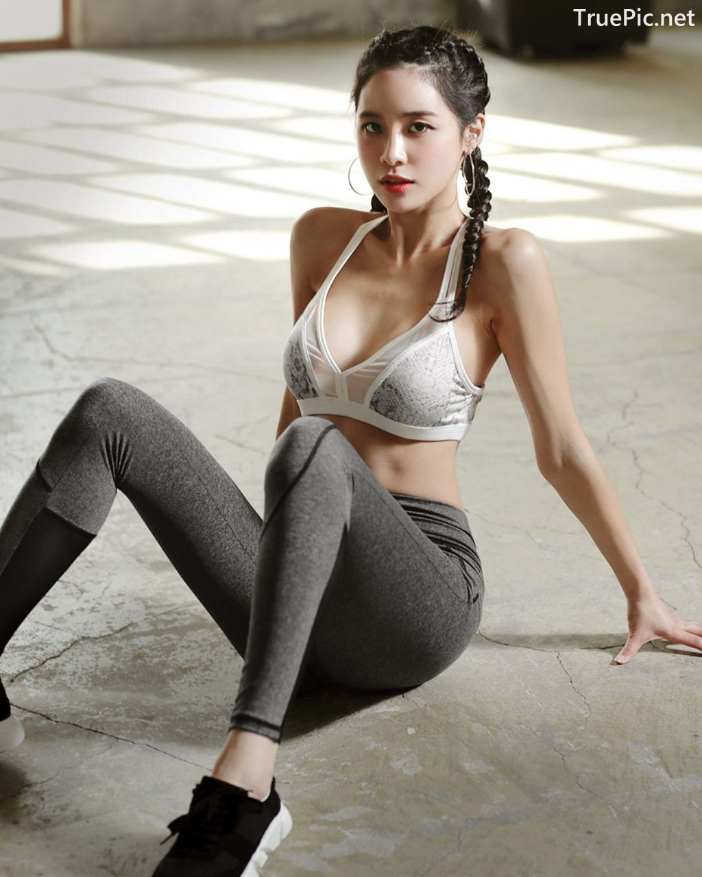Image-Korean-Fashion-Model-Ju-Woo-Fitness-Set-Collection-TruePic.net- Picture-2