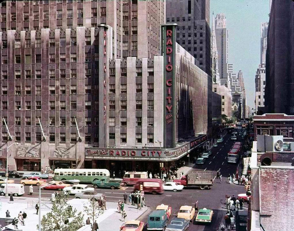 1 2 7 3 Down The Rockefeller Street: 35 Incredible Color Found Photos Captured Everyday Life Of