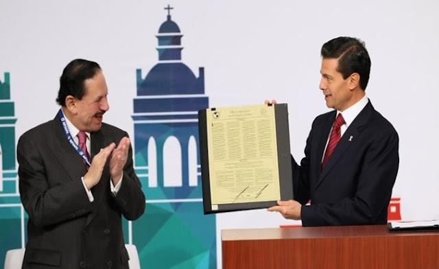 Diplomas Peña Nieto