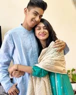 mrunal thakur with her brother