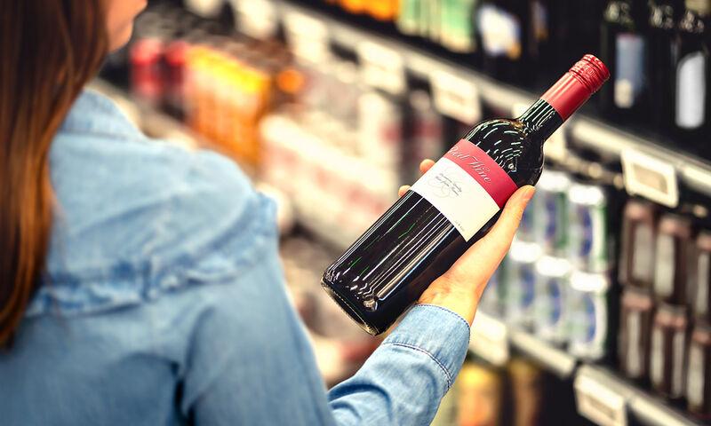 Αλκοόλ: Με ποιους καρκίνους συνδέεται ακόμη και η ελάχιστη κατανάλωση