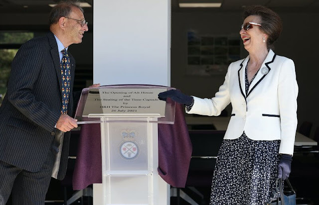 The Princes Royal unveiled a plaque to mark the official opening of the Headquarters