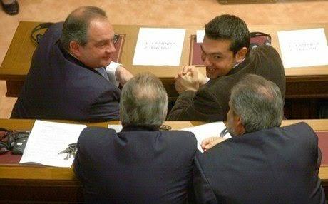 Υπόγεια συμμαχία Τσίπρα - Καραμανλή «βλέπει» ο Βενιζέλος