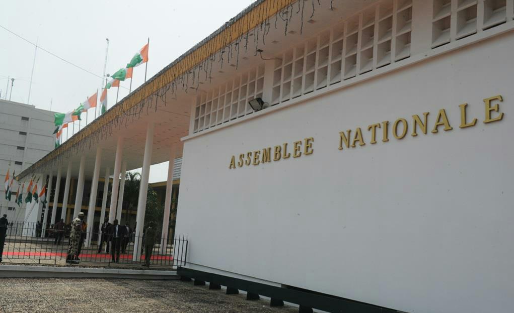 Côte d'Ivoire : À combien est estimé le nombre de textes de loi adoptés par les députés de 2011 à 2016 ?