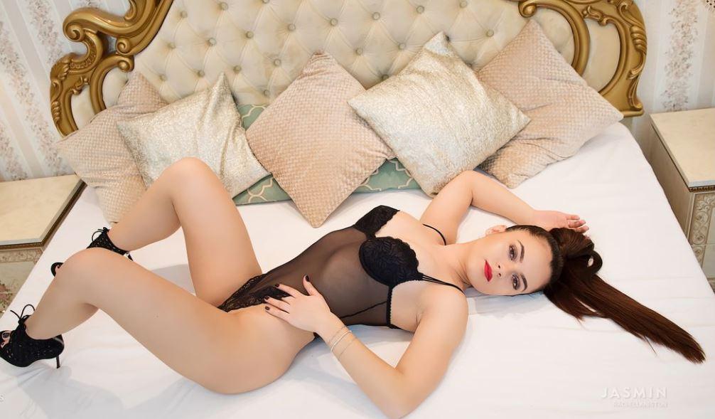 RachellAniston Model GlamourCams
