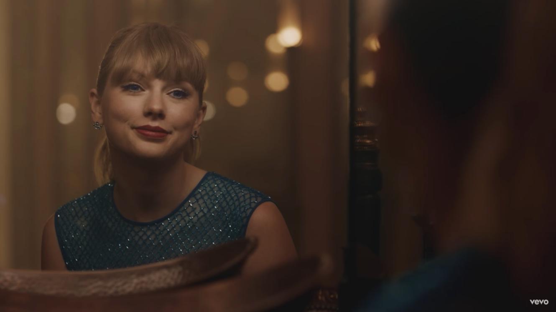 """Com o lançamento do vídeo vertical de """"Delicate"""", Taylor mostra que as desavenças com o Spotify ficaram para trás."""