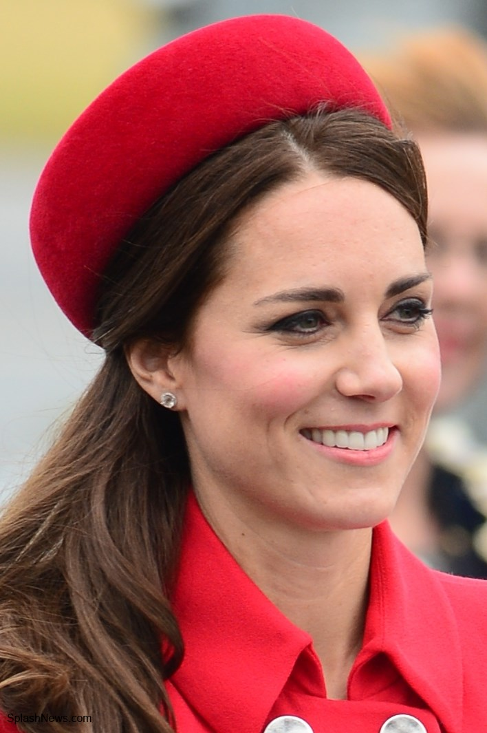 aad4f500e Duchess Kate: Royal Tour 2014 Begins as the Cambridges Touch Down in ...