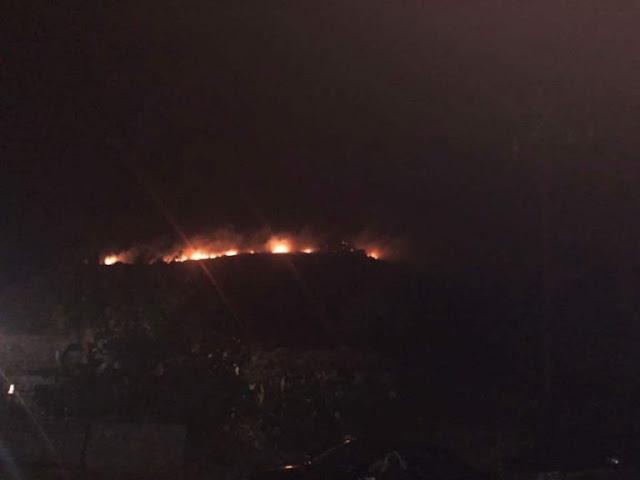 Πυρκαγιά τη νύχτα στη Μάνη