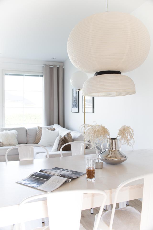 Villa H, ruokapöydällä, sisustus, koti, Georg Jensen vaasi
