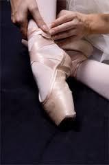 e114d5b3ee Loucas por Ballet  Sapatilha de ponta - Como costurar fita e elástico