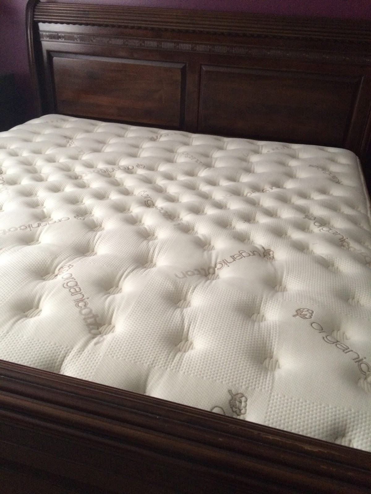 Dugroz Review of the Saatva Mattress and Foundation