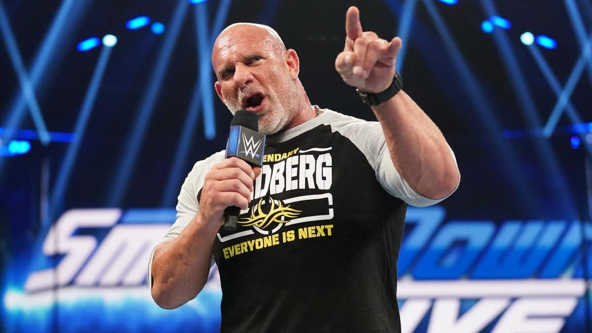 Goldberg retorna durante o WWE RAW