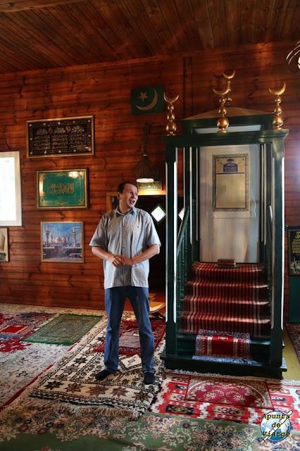 El guía de la mezquita