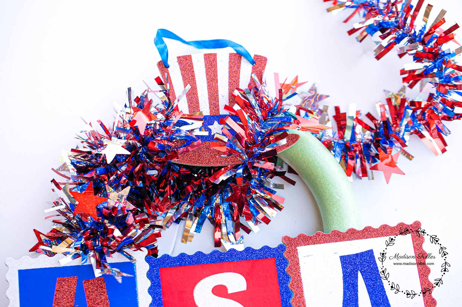 DIY Dollar Store 4th July Wreath Step 3