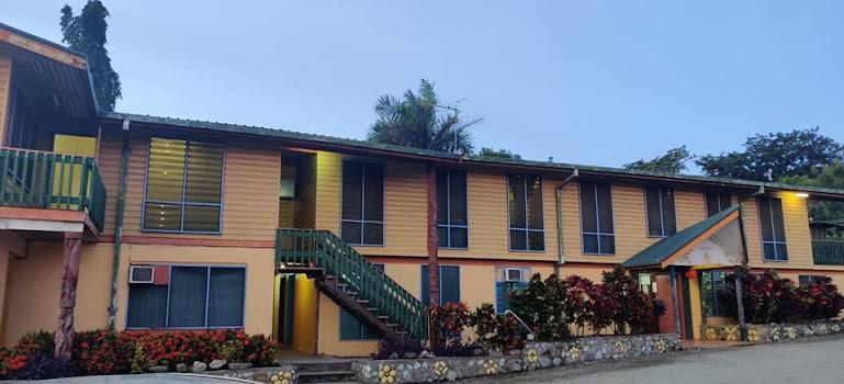 Gordons Transit Lodge