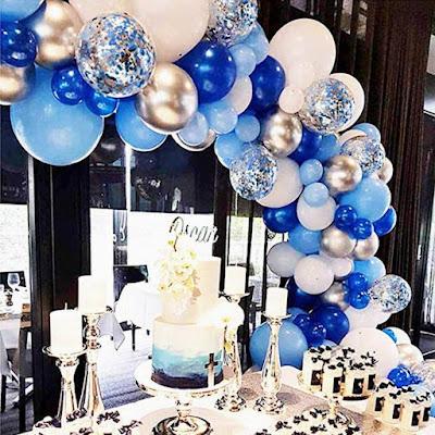 decoracao em azul com baloes