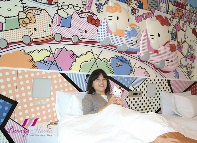 keio plaza tama colourful hello kitty town room