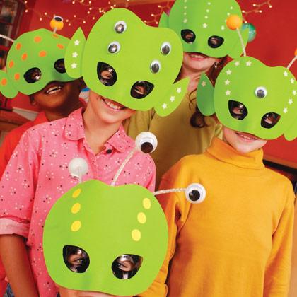Máscaras de extraterrestre en eva
