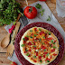 Omelete de Claras com Queijo Fresco, Peito de Frango e Tomate
