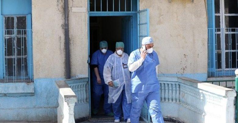كورونا يسلب روح 3 أطباء وآخرون يصارعون الموت و يوجدون تحت التنفس الاصطناعي