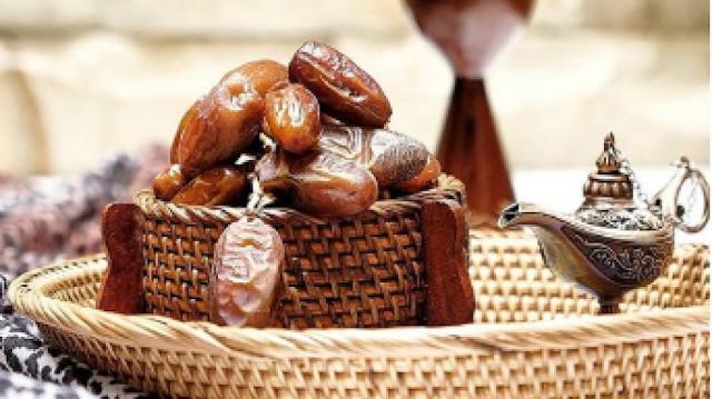 https://www.muhammadalii.com//2020/05/khasiat-dari-mengkonsumsi-buah-kurma.html
