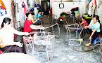 Sản phẩm bàn ghế sợi nhựa: Làm phong phú thêm ngành nghề thủ công