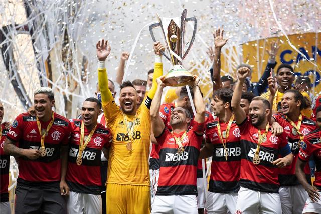 Nos pênaltis, Flamengo vence o Palmeiras e conquista a Supercopa do Brasil 2021