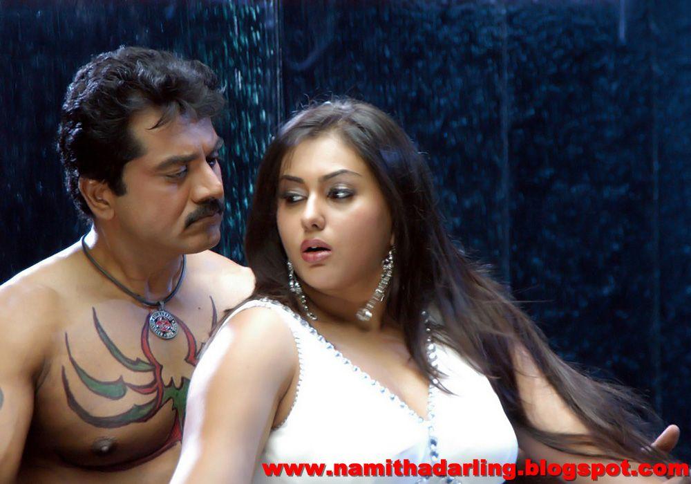 Hot Namitha Romancing With Sarath Kumar Namithadarling-5309