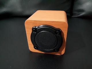 Bluetooth Speaker Woody Vivo V9 Gift Box Sisa Stok