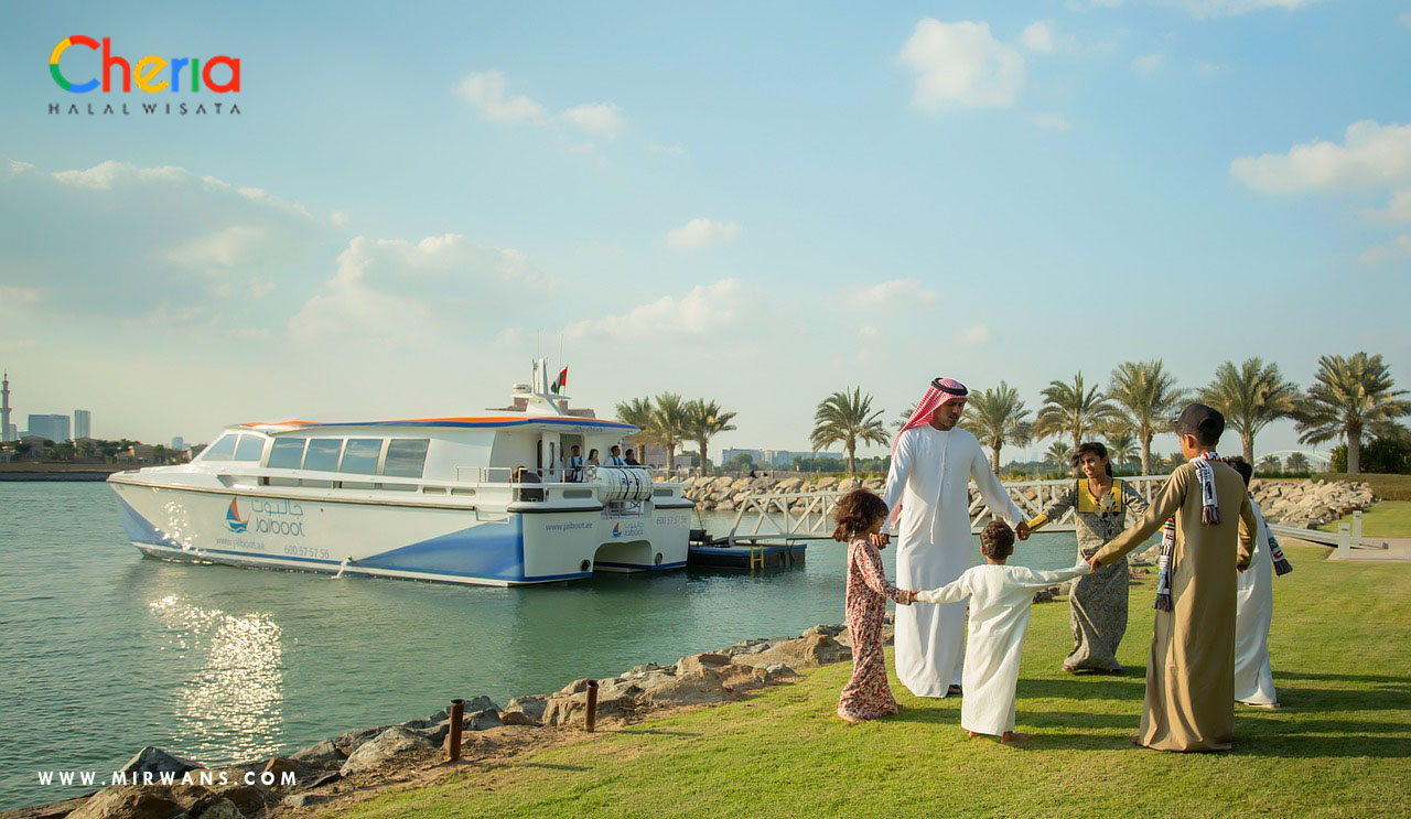 Destinasi Wisata Halal buat Liburan Keluarga bersama Cheria Holiday