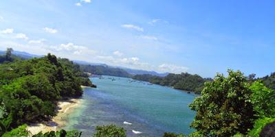 Pesona Pantai Savana Malang