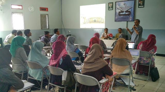 Menyambut Tahun Ajaran 2018-2019 Guru dan Staff SD AR RAFI' DRAJAT mengadakan RAKER Tahunan