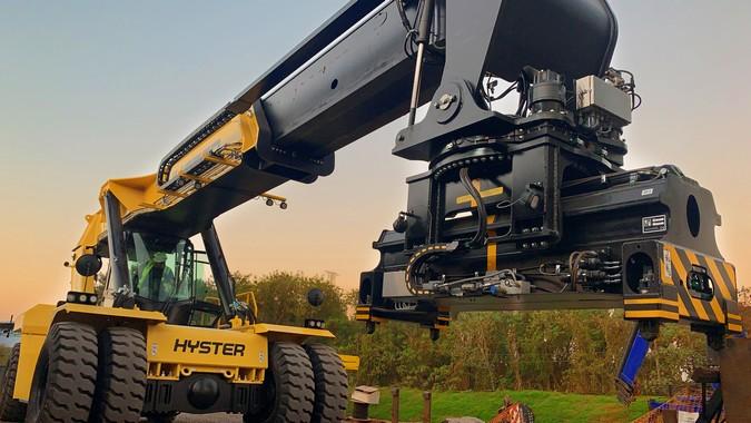 Hyster® destaca equipamento para movimentação de contêineres vazios e Tool Changer na Intermodal 2020