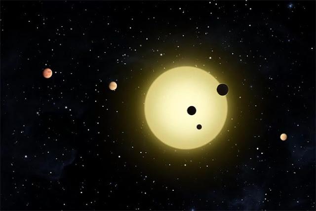 Ilustração artística do sistema Kepler-11 que possui 6 planetas descobertos que orbitam uma estrela igual ao nosso Sol - NASA