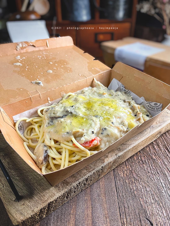 Chicken & Mushroom Spaghetti The Coffee Bean & Tea Leaf