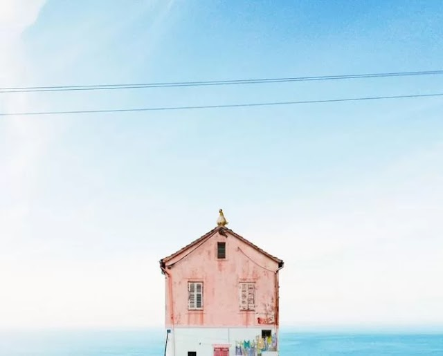 The lonely house captures Portuguese photographer