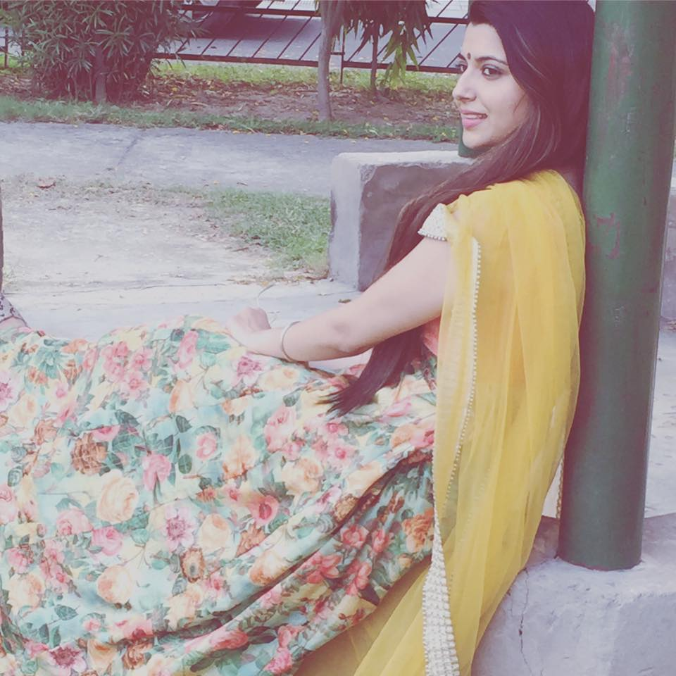 Nimrat Khaira Sexy Hd Pictures And Wallpapers - Oh Puhlease-9107