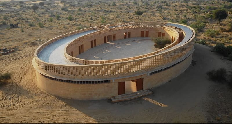 The Rajkumari Ratnavati School - Located in the Desert region of Jaisalmer, remains cool from inside even without AC