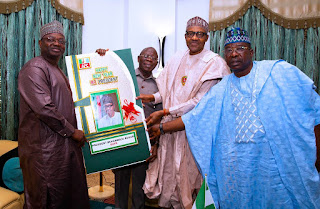 President Buhari Recieves APC National Chairman, Oshiomhole In Aso Rock (Photo)