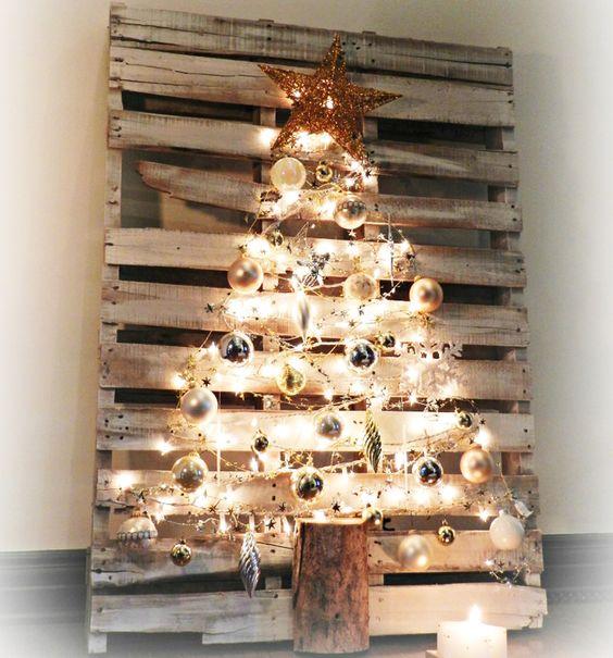 Ideas y fotografías para hacer un árbol de Navidad alternativo con palets reciclados