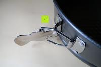 Verschluss öffnen: Andrew James 3-er Set Springform mit Anti-Haft-Beschichtung