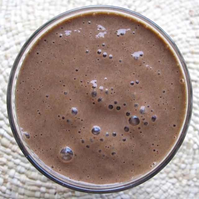 smoothie vert cacao cru courgette banane