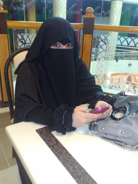 للزواج: ميرنا الخطيب فتاة سورية 23 عام من جدة تبحث عن زوج بدون شروط
