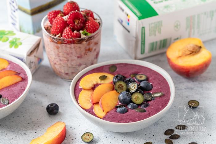 5 pomysłów na letnie śniadania z sezonowymi owocami