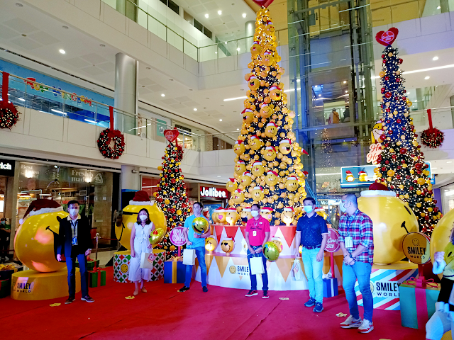 Rizal government officials at the SM City Masinag Christmas launch