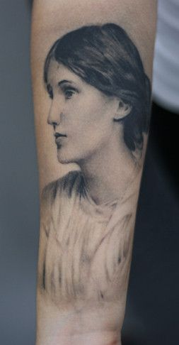 Tatuaje de Virginia Woolf