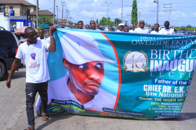 Warri youths celebrate Tompolo's 46th birthday on the streets