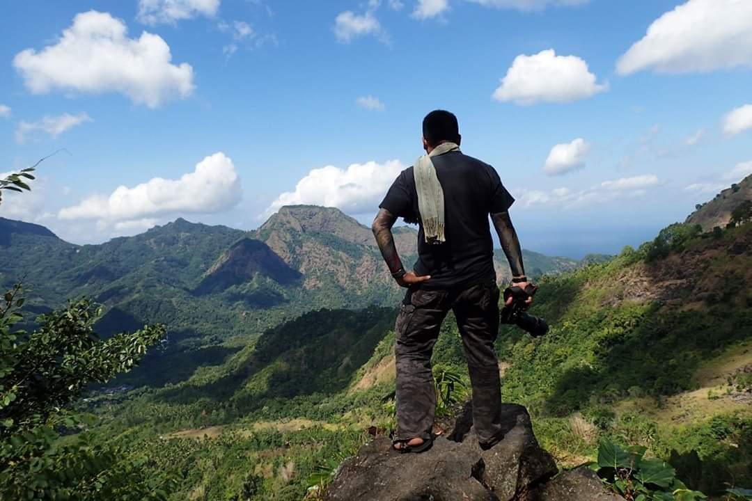 Pemandangan Ke Arah Kaki Bukit Perbukitan Gunung Inerie